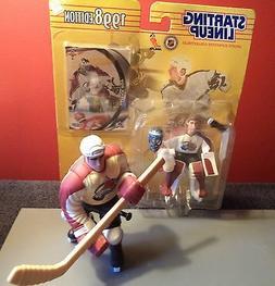 2 Hockey Figures/Colorado Avalanche Roy & Sakic/1 MIB